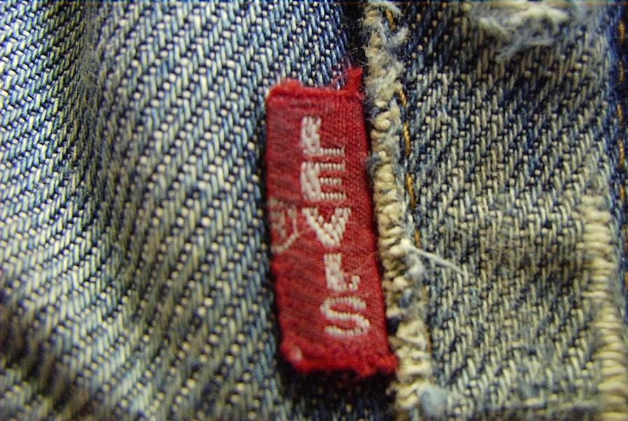 Vintage Levi\'s Jeans Guide - Red Tab